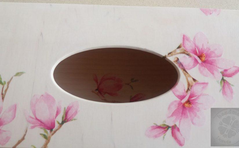 Chustecznik – magnolia