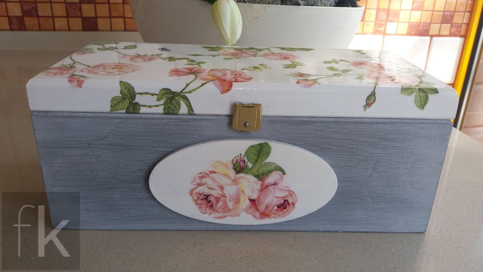 Pudełko z motywem róż (3)