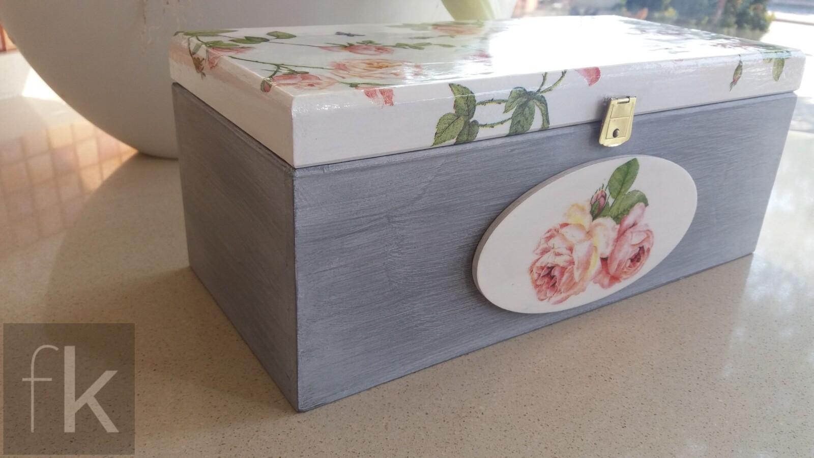 Pudełko z motywem róż (7)